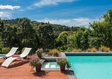 Decks of Paihia Luxury B&B :: click here for more information