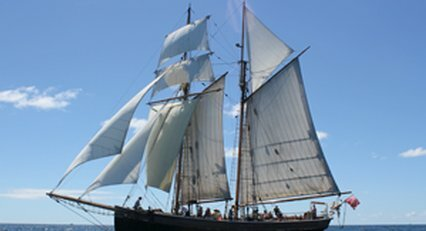 Tall ship R.Tucker Thompson